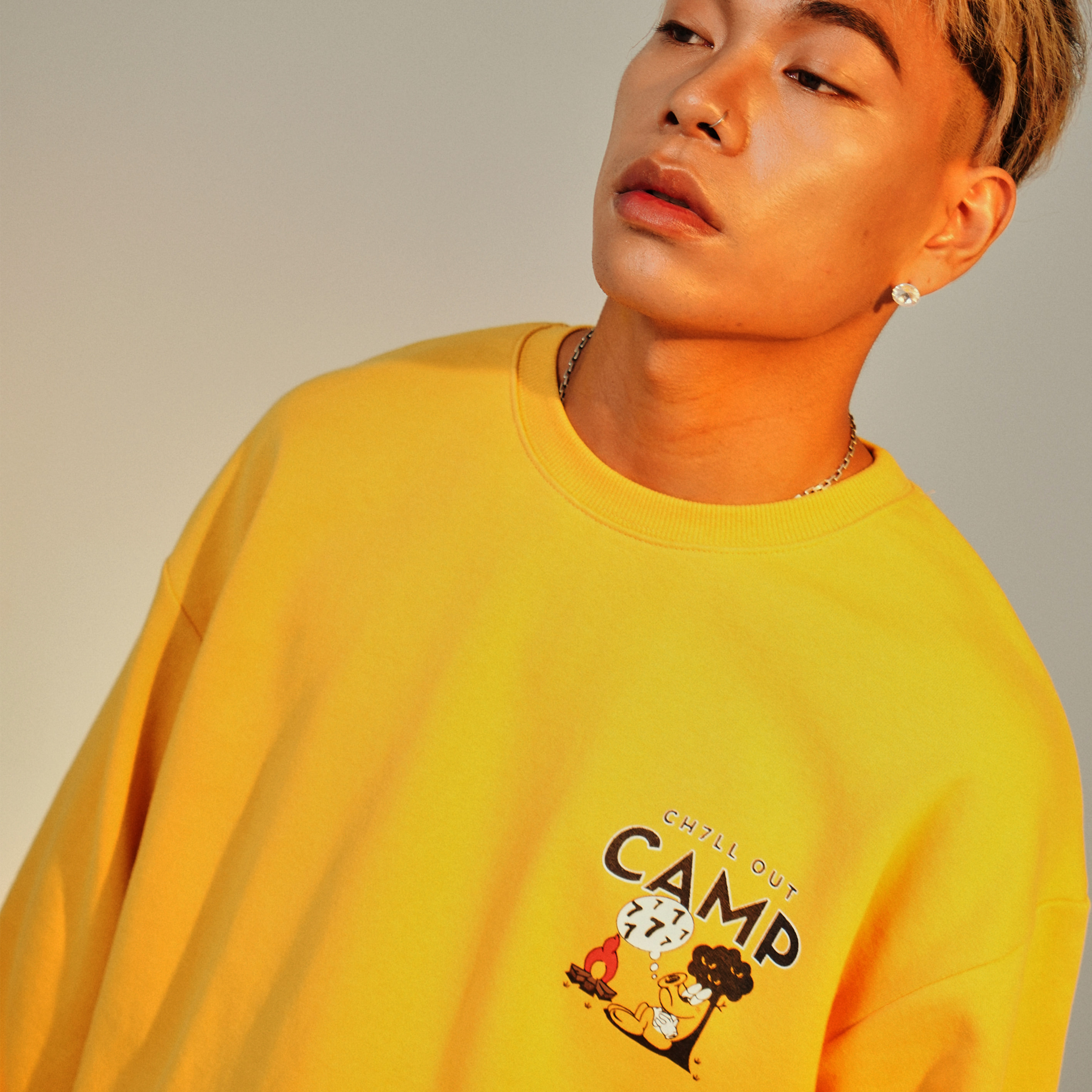 [50%]CH7LL OUT CAMP 스웻셔츠_YELLOW_59,000원